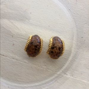 Jewelry - 🔴 Gold Printed Clip Ons
